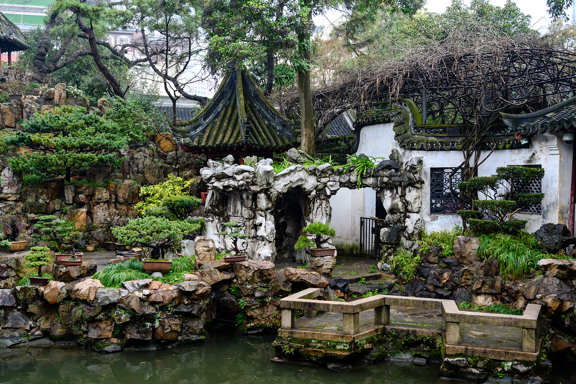 YuGarden_RockArch_Closeup